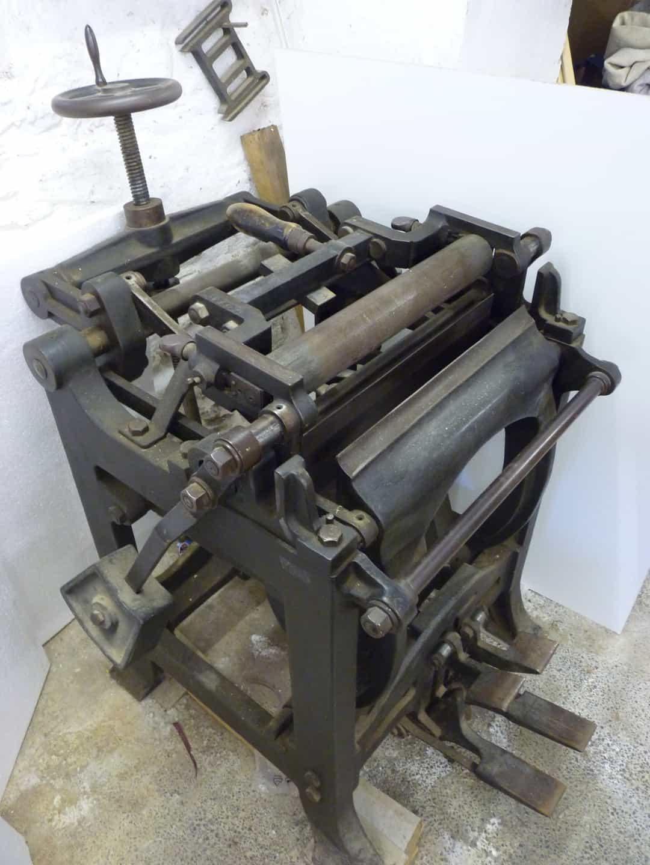Populaire Association of European Printing Museums ~ Matériel de reliure à  DG28